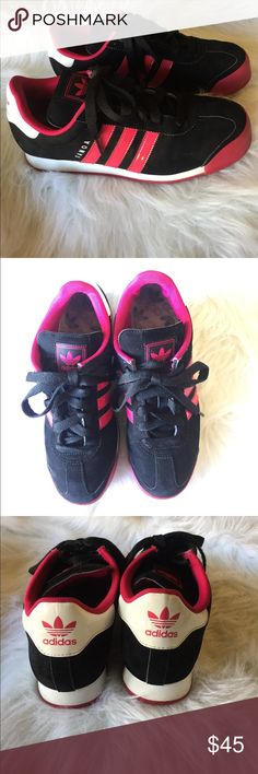 Adidas Samoa black and pink Size 8 1/2 Pre owned black and pink Adidas Samoa shoes. Washed and clean in good condition. Some creasing on the top but still look good. Size 8 1/2. Shoes Athletic Shoes