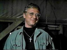Rest In Peace. Father Francis Mulcahy played by William Christopher was a central character to the TV show 'M*A*S*H. Old Tv Shows, Best Tv Shows, Best Shows Ever, Movies And Tv Shows, Favorite Tv Shows, Mash 4077, Father Mulcahy, Mash Characters, William Christopher