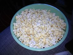 Delicious fresh popcorn made with peanut oil salt and nutritional yeast