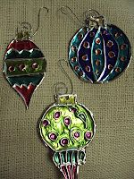 Calling All Sleepyheads: Embossed Aluminum Ornaments (Christmas Art Lessons) Winter Art Projects, Winter Crafts For Kids, Christmas Projects, Holiday Crafts, Art For Kids, Winter Project, 3d Projects, Holiday Decorations, Project Ideas