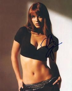 Mary Elizabeth Winstead signed Final Destination Photo w/COA Beautiful Celebrities, Beautiful Actresses, Gorgeous Women, Mary Elizabeth Winstead, Hollywood Actress Pics, Beautiful Brown Eyes, Teresa Palmer, Actrices Hollywood, Hot Brunette