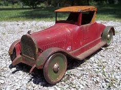 Antique Metal, Antique Toys, Vintage Toys, American Press, 4 Wheelers, Toy Trucks, Tin Toys, Zoom Zoom, Old Cars