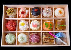 漫画【働きマン】で紹介されたことでも話題を呼んだ、可愛らしい手まり寿司のお店です。