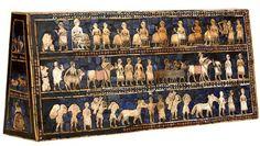 L'étendard d'Ur est une œuvre d'art qui montre la grande maîtrise des artisans sumériens. Ce petit coffre en bois de 27 cm de haut sur 48 cm de long date de 2600 ans avant JC. environ. Il a été déc...