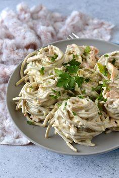 Sonkás-sajtos spagettisaláta recept - Kifőztük, online gasztromagazin Paleo, Pasta Noodles, Pasta Salad, Healthy Living, Salads, Spaghetti, Food And Drink, Ethnic Recipes, Larry