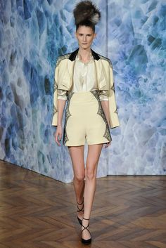 Alexis Mabille Fall 2014 Couture - Collection - Gallery - Look 1 - Style.com