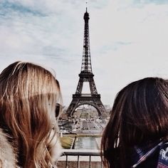 How would you like to have a date in Paris? Not this time apparently. Maybe in a more peaceful time. date paris romance effiel tower landmark dating girlfriend attraction