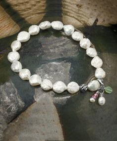 #Lyoness | Inspire your mom to decorate her wrist in ocean treasures with this handmade pearl bracelet. It's made in the USA and shines soft with the sparkle of the sea. #woolrich1830 #MothersDay #madeinusa | https://www.lyoness.com/at/stores/de-at/609000574