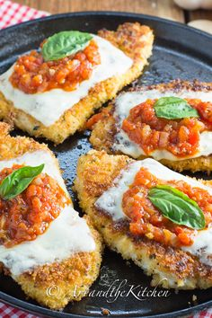 (Canada) Chicken Parmesan | Art and the Kitchen - golden brown chicken cutlets, topped with melted mozzarella and homemade marinara sauce. A favourite chicken recipe!