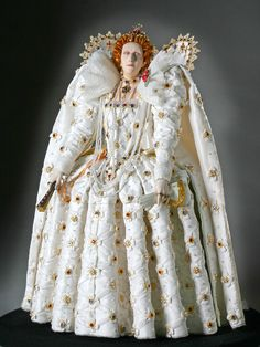 Elizabeth I, Queen of England was the only child of Henry VIII and Anne Boleyn. She was the fifth and final monarch of the Tudor dynasty. Elizabeth I, Anne Boleyn, Historical Costume, Historical Clothing, Moda Fashion, Fashion Dolls, Fashion Fashion, Isabel I, Mode Renaissance