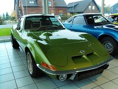 Opel GT 1900 in green, super design. Such a nice car allready in 1969 !!!!!!