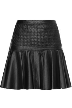 www.365ist.com Estilo Rock, Vogue Us, Leather Shorts, Future Fashion, Skirt Outfits, Fashion Outfits, Womens Fashion, Mini Skirts, Stylish