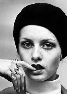 Cute photography of Twiggy Hipsters, Cute Photography, Fashion Photography, Woman Photography, 1960s Fashion, Vintage Fashion, 3 4 Face, Colleen Corby, Androgynous Look