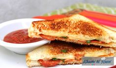 Grilled Cheese Pepperoni Pizza Sandwich - Inspired by Family Pepperoni Sandwich, Pizza Sandwich, Toast Sandwich, Grilled Sandwich, Sandwich Recipes, Pizza Recipes, Cooking Recipes, Pizza Recipe In Hindi, Four Cheese Pizza