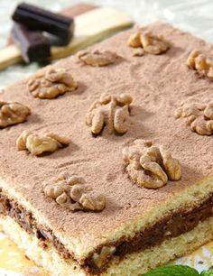 Pastel de bizcocho y chocolate