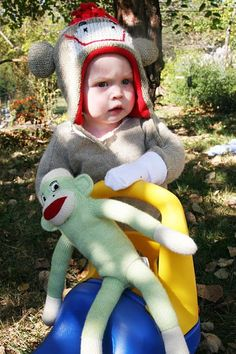 How To Make A Sock Monkey Costume – Homemade Ginger Sock Monkey Costumes, Sock Monkey Hat, Alter Pullover, Thrift Store Crafts, Old Sweater, Cute Socks, Diy Halloween Costumes, Thrifting, Baby Car Seats