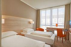 Blick in eines der Hotelzimmer | Ramada Hotel Berlin Mitte