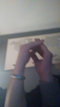 Schleife zeigen Bild 0033 #schleifezeigen #kinderschutz #challenge #1207schleifen #fingerweg #fingerweginfo