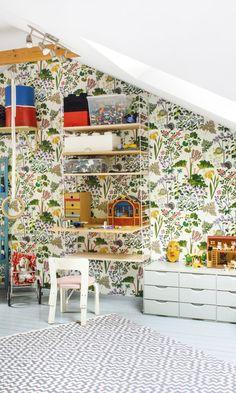 Lapsiperheen kodissa kukkivat seinät ja sisustustyylit | Meillä kotona