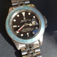 """Rolex Gmt 1675 brown with a stunning blueberry faded insert"