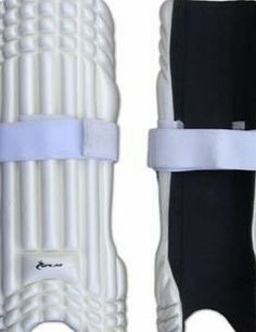 Splay Cricket Moulded Fielder Pads - Large The Splay fielder pads are light weight and allow maximum protection when in the firing line of the batsmen. (Barcode EAN = 5055501100853). http://www.comparestoreprices.co.uk/december-2016-week-1/splay-cricket-moulded-fielder-pads--large.asp