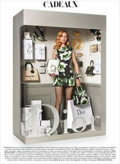 Italian photographer Giampaolo Sgura staged supermodels Magdalena Frackowiak and Elisabeth Erm as packaged living dolls for Vogue Paris' December Vogue Paris, Magdalena Frackowiak, Moschino, Barbie Style, Living Dolls, Living Barbie, Vintage Dior, Vintage Barbie, Paris December