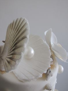 Hochzeitstorte maritim, Muscheln, Perlen, Sand, Meer