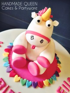 Super cute unicorn cake topper