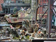WWII Diorama using Toy Soldiers! You can pick up many of these items from Treefrog Treasures Military Miniatures. Tamiya Model Kits, Tamiya Models, Military Action Figures, Custom Action Figures, Diorama Militar, Military Armor, Model Tanks, Model Hobbies, Military Modelling