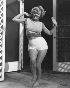 Marilyn Monroe- Real women look like this. Perfectly plump, and pretty. I'm not a very huge fan of Marilyn, but I do love that her body is healthy, and sexy.
