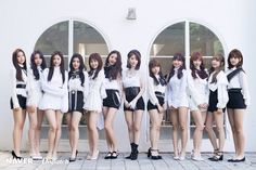 Mnet anuncia que IZ*ONE retomará sus actividades en febrero ~ Yuri, Honda, Dior, Japanese Girl Group, Kpop Outfits, Stage Outfits, Soyeon, 3 In One, The Wiz