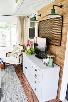 Summer Porch Tour - Summer is in the air and it is time to get the porch ready for the season. See the laid back decor in this Summer Porch Tour from My Creative Days.