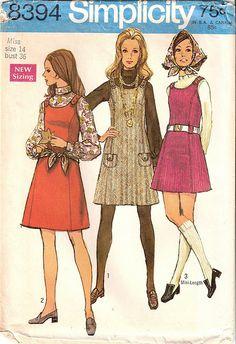1969 Simplicity Pattern...kleedjes die moeder dan zelf naaide [in de namiddag of 's avonds na het werk]