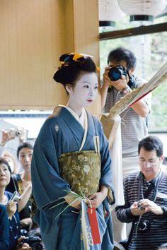 長船(おさふね):江戸時代後期の武家の側室の髪形。