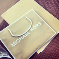 Gift for the reception Michael Kors Tokyo, Japan