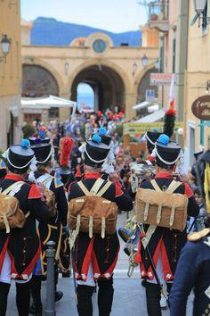 Rievocazione storica dell'arrivo di Napoleone all'Isola d'Elba.   Historical re-enactment of the arrival of Napoleon in Elba Island