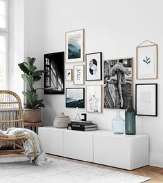 Bilderwand Desenio Bilderwand Desenio The post Bilderwand Desenio appeared first on Fotowand ideen. Living Room On A Budget, Home Living Room, Living Room Designs, Living Room Decor, Decor Room, Diy Home Decor, Desenio Posters, Home Decor Pictures, Decoration Pictures