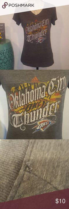 Adidas Okc Thunder Short sleeve tee size Large Fitted Large ADIDAS Oklahoma City Thunder Basketball tee Small snag on left shoulder  (see pic) adidas Tops Tees - Short Sleeve