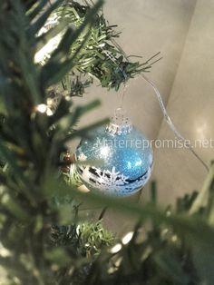 Cher petit comité de lecteur, Noël et ses couleurs ne sont pas encore si loin... Mais c'est derrière nous... En cette nouvelle année bien avanc ée, comment vous portez-vous ? J'espère que vous vivez de belles choses... Ici, il y a eu de nombreuses aventures......