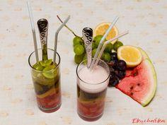 """Ovocný cider koktejl: """"Medová Metaxa se výborně hodí do sladkých koktejlů a letní večery si o sladší koktejl přímo říkají. Se ciderem je to skvělá osvěžující kombinace."""" Moscow Mule Mugs, Cantaloupe, Fruit, Tableware, Food, Lemon, Dinnerware, Tablewares, Essen"""