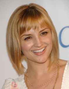 19 of the Best Short Blonde Hairstyles: Short Blonde Hairstyle, Honey Blonde with Highlights