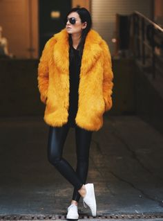 leggings and fur coat outfit - Yahoo Search Results Yahoo Image Search Results Outfits Winter, Cool Outfits, Fur Fashion, Winter Fashion, Sporty Fashion, Fashion Mode, Casual Winter, Winter Wear, Fall Jackets