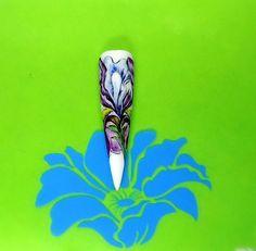 .....il centro del fiore ...Iris....!!