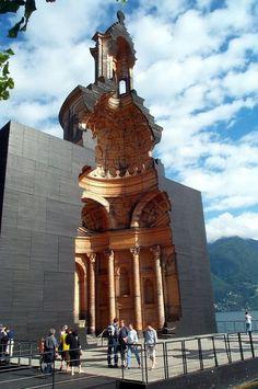 Modell der Kirche von Francesco Borromini in San Carlino, Lugano. Das Modell zeigt einen Querschnitt der Originalkirche und wurde von Mario Botto gebaut. Stand dort von 1999-2003, wurde dann abgebaut.