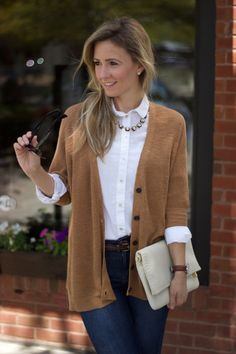 white-oxford-buttonup-fall-preppy-outfit Outfits Dressing For Fall Part The White Oxford Shirt Preppy Work Outfit, Cute Preppy Outfits, Adrette Outfits, Casual Work Outfits, Winter Outfits For Work, Classic Outfits, Office Outfits, Work Casual, Womens Preppy Outfits