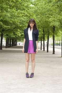 a dash of fash wearing marni for h hot pink shorts, thrifted navy silk blazer, h trend white shirt, komono round sunglasses and nike air stab purple trainers #fashion #style #streetstyle #outfit #ootd #blog #blogger