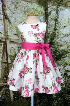 Vestido Festa Floral Branco e Pink