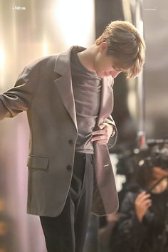 """Jeno has a thing for tummy rubs I'm sure of it"" Nct Dream, Nct 127, Jeno Nct, Na Jaemin, Winwin, Taeyong, Boyfriend Material, K Idols, Jaehyun"