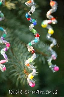 simple pipe cleaner icicle craft for preschoolers at Christmas
