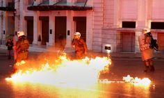 В Греции полиция применила слезоточивый газ против участников массовых протестов - 112.ua